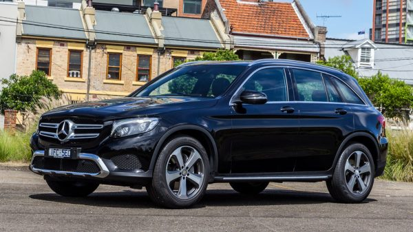 2016-mercedes-benz-glc220d-1