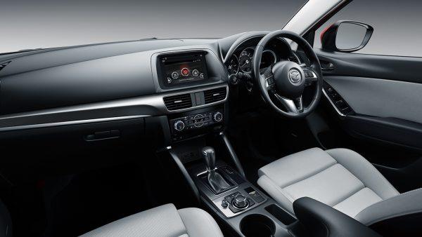 interior_2nd-row_img4-ts-1503200348516500
