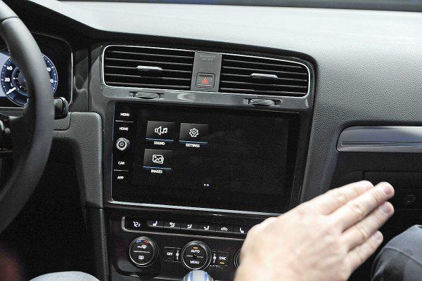 VW-e-Golf-Touch-1200x800-925807ac493aa00f